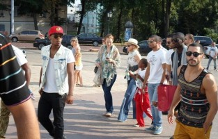 Madonna out and about in Kiev - 3 August 2012 (16)