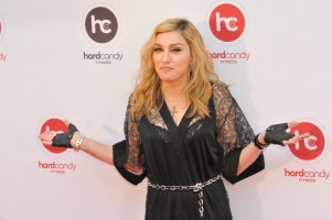 Madonna at the Hard Candy Fitness Opening in Moscow - 6 August 2012 - Update 01 (14)