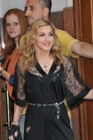 Madonna at the Hard Candy Fitness Opening in Moscow - 6 August 2012 - Update 01 (31)