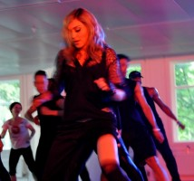 Madonna giving Addicted to Sweat dance class in Moscow (1)