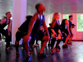 Madonna giving Addicted to Sweat dance class in Moscow (2)