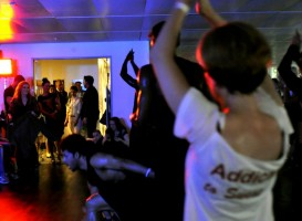 Madonna giving Addicted to Sweat dance class in Moscow (7)