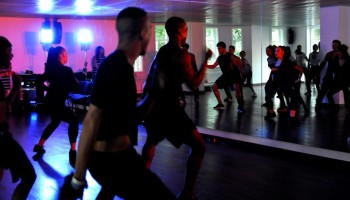 Madonna giving Addicted to Sweat dance class in Moscow (8)