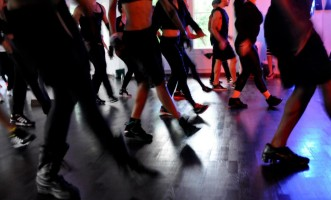 Madonna giving Addicted to Sweat dance class in Moscow (10)