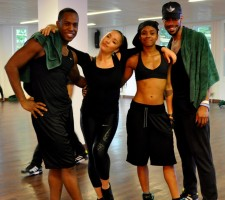 Madonna giving Addicted to Sweat dance class in Moscow (11)