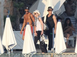 Madonna relaxing in the Antibes in France -  20 August 2012 (19)