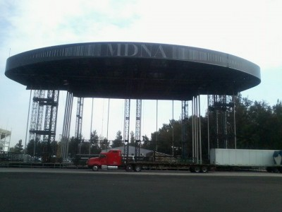 20121106-media-madonna-mdna-tour-stage-mexico-01