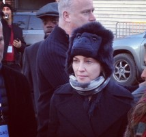 Madonna Visiting Sandy-Damaged Rockaways (1)