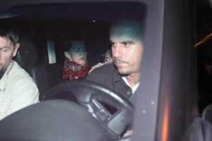1 December 2012 - Madonna Having dinner with Luciano Huck, Rio de Janeiro (2)