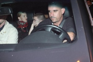 1 December 2012 - Madonna Having dinner with Luciano Huck, Rio de Janeiro (7)