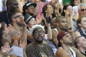 Madonna attends AfroReggae in Rio de Janeiro - Part 2 (8)