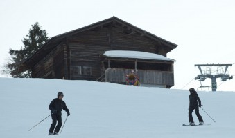 Madonna skiing in Gstaad, Switzerland - Part 2 (3)