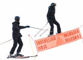 Madonna skiing in Gstaad, Switzerland - Part 2 (7)