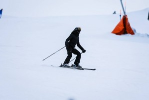 Madonna skiing in Gstaad, Switzerland - Part 2 (9)