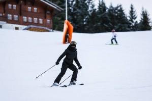 Madonna skiing in Gstaad, Switzerland - Part 2 (18)