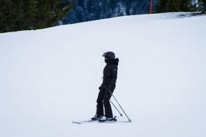 Madonna skiing in Gstaad, Switzerland - Part 2 (35)