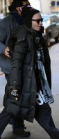 Madonna out and about New York, Kabbalah Centre (6)
