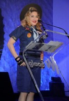 Madonna dressed up as boy scout at the GLAAD Media Awards - Anderson Cooper - Backstage (25)