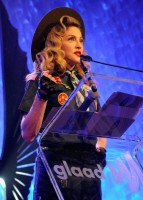 Madonna dressed up as boy scout at the GLAAD Media Awards - Anderson Cooper - Backstage (26)