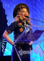 Madonna dressed up as boy scout at the GLAAD Media Awards - Anderson Cooper - Backstage - HQ (2)