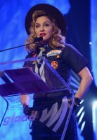 Madonna dressed up as boy scout at the GLAAD Media Awards - Anderson Cooper - Backstage - HQ (30)
