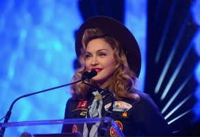 Madonna dressed up as boy scout at the GLAAD Media Awards - Anderson Cooper - Backstage - HQ (47)