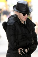 Madonna out and about New York, Kabbalah Centre - 23 March 2013 (4)