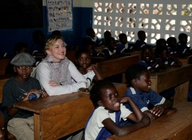 Madonna and family visiting Malawi - Mkoko Primary School - 2 April 2013 (3)