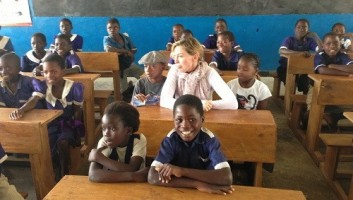 Madonna and family visiting Malawi - Mkoko Primary School - 2 April 2013 (4)