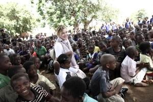 Madonna vistis Mkoko Primary School with family in Kasungu Malawi - 2 April 2013 (1)