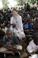 Madonna vistis Mkoko Primary School with family in Kasungu Malawi - 2 April 2013 (7)