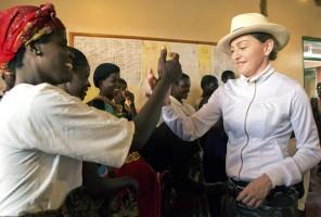 Madonna visits Mphandula Childrencare Centre in Namitete, Malawi - 5 April 2013 (4)