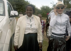 Madonna visits Mphandula Childrencare Centre in Namitete, Malawi - 5 April 2013 (12)