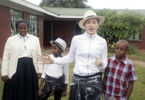 Madonna visits Mphandula Childrencare Centre in Namitete, Malawi - 5 April 2013 (13)