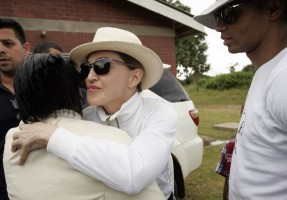 Madonna visits Mphandula Childrencare Centre in Namitete, Malawi - 5 April 2013 (15)