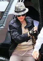 Madonna at the Kabbalah Centre, New York [13 April 2013] (1)