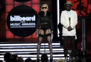 Madonna at the 2013 Billboard Music Awards - 19 May 2013 (7)