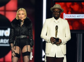 Madonna at the 2013 Billboard Music Awards - 19 May 2013 (18)