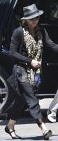 Madonna Kabbalah Centre New York - 15 June 2013 (1)