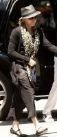 Madonna Kabbalah Centre New York - 15 June 2013 (2)