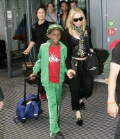 Madonna arrives at Heathrow Airport in London - 19 July 2013 (1)