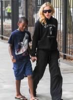 Madonna out and about in London - 27 July 2013 (3)
