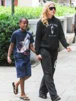 Madonna out and about in London - 27 July 2013 (6)