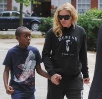 Madonna out and about in London - 27 July 2013 (10)