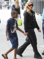 Madonna out and about in London - 27 July 2013 (12)