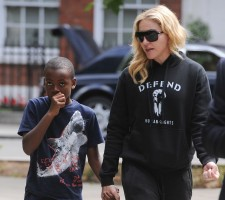Madonna out and about in London - 27 July 2013 (13)