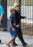 Madonna out and about in London - 27 July 2013 (15)