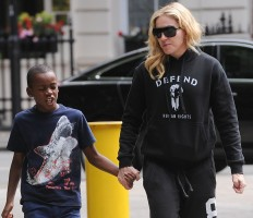 Madonna out and about in London - 27 July 2013 (17)