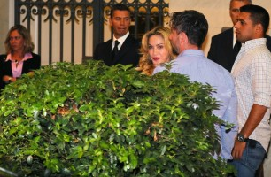 Madonna at the Hard Candy Fitness Centre, Rome - 21 August 2013 (5)