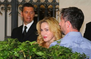 Madonna at the Hard Candy Fitness Centre, Rome - 21 August 2013 (7)